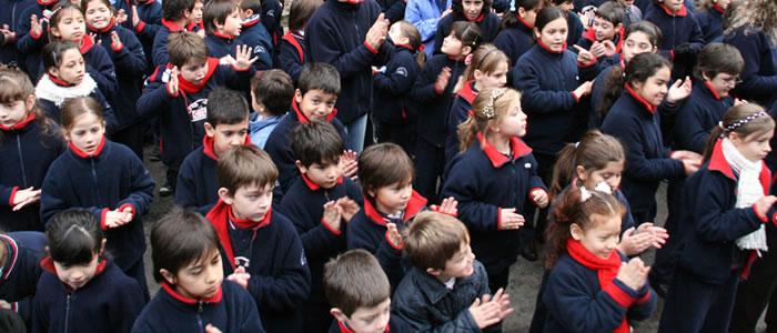 Egresados de escuela primaria del Colegio JFK